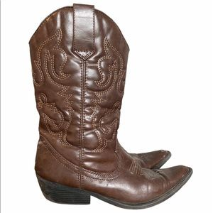 Madden Girl Cowboy/Cowgirl Pleather Boots 6.5